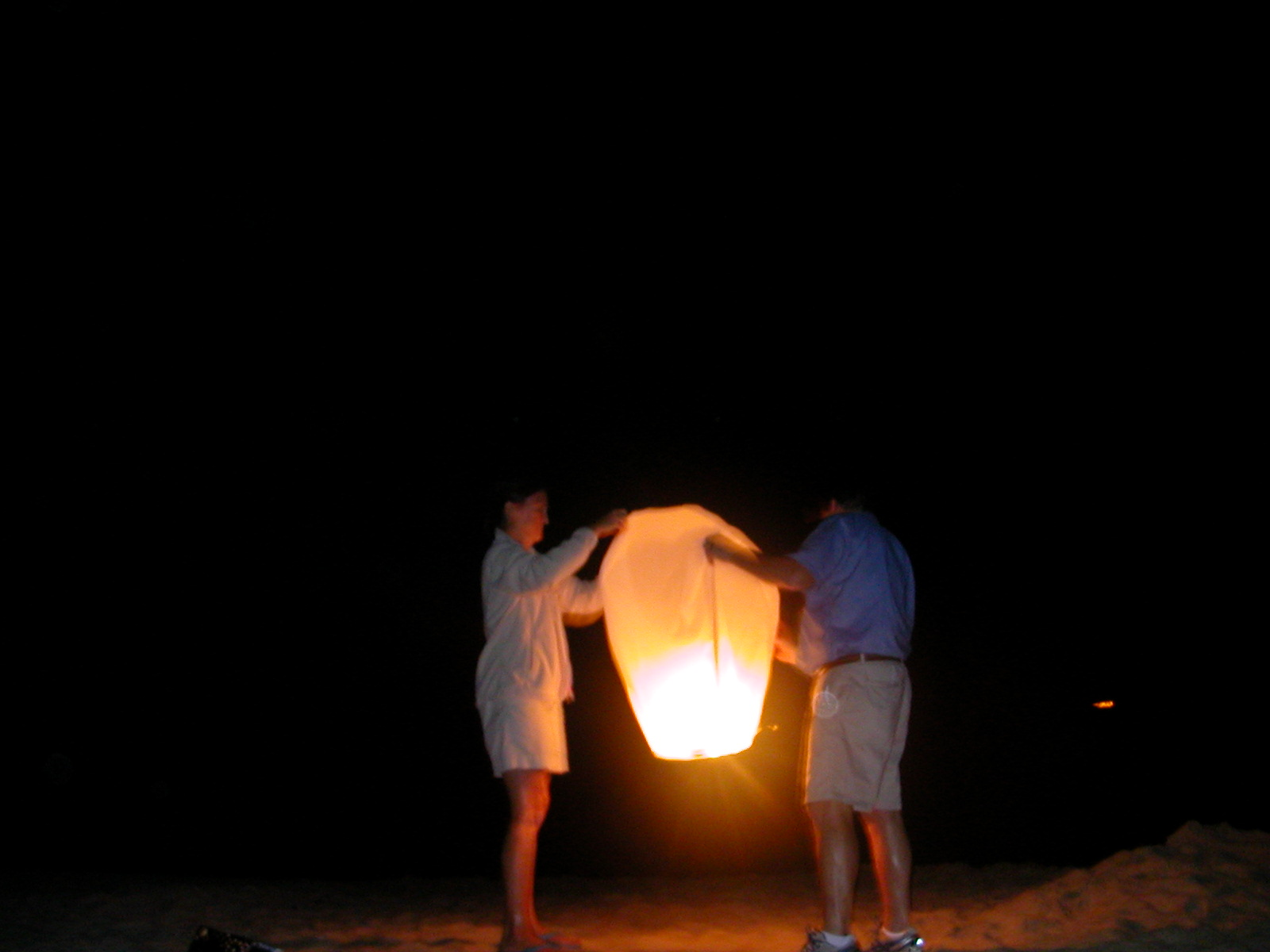 Sky Lanterns at night, on the beach – The Sandcastle Lady for lanterns at night beach  150ifm