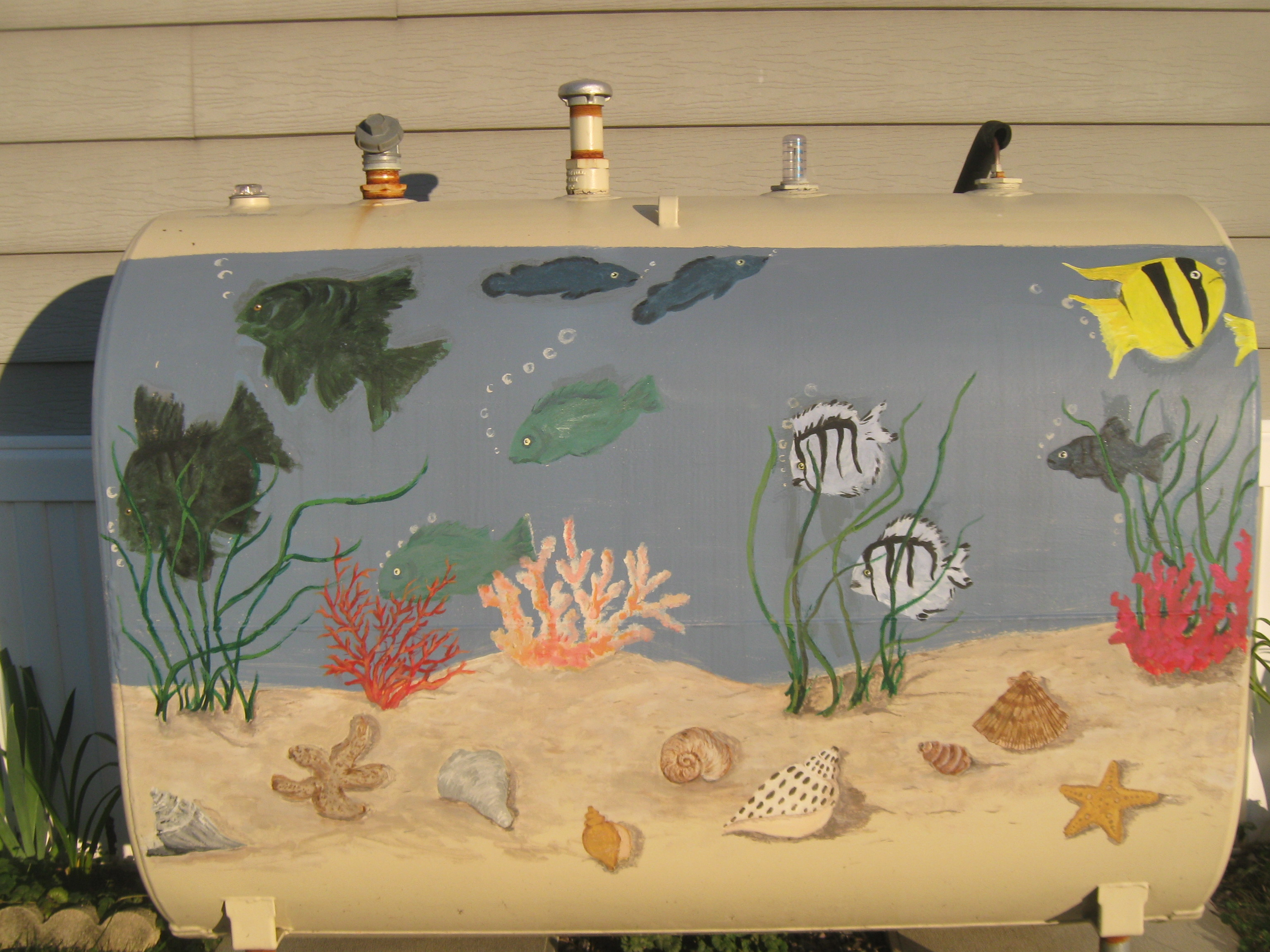 Fish tank painting - The Sandcastle Lady S Fish Tank Formerly Known As An Oil Tank